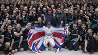 Lewis Hamilton slaví mistrovský titul v Austinu