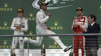 Lewis Hamilton se raduje z vítězství v Austinu