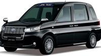 Budoucnost taxikaření v japonských městech vypadá podle Toyoty podobně jako černý koncept JPN Taxi. Proti sobě se otevírající dveře v kombinaci se sníženou podlahou umožní příjemný nástup i vozíčkářům, zelení aktivisté zase budou potěšeni na LPG jezdícím hybridem pod kapotou.