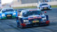 Ekström dostává penalizaci za odstřel vedoucích Mercedesů - anotační foto