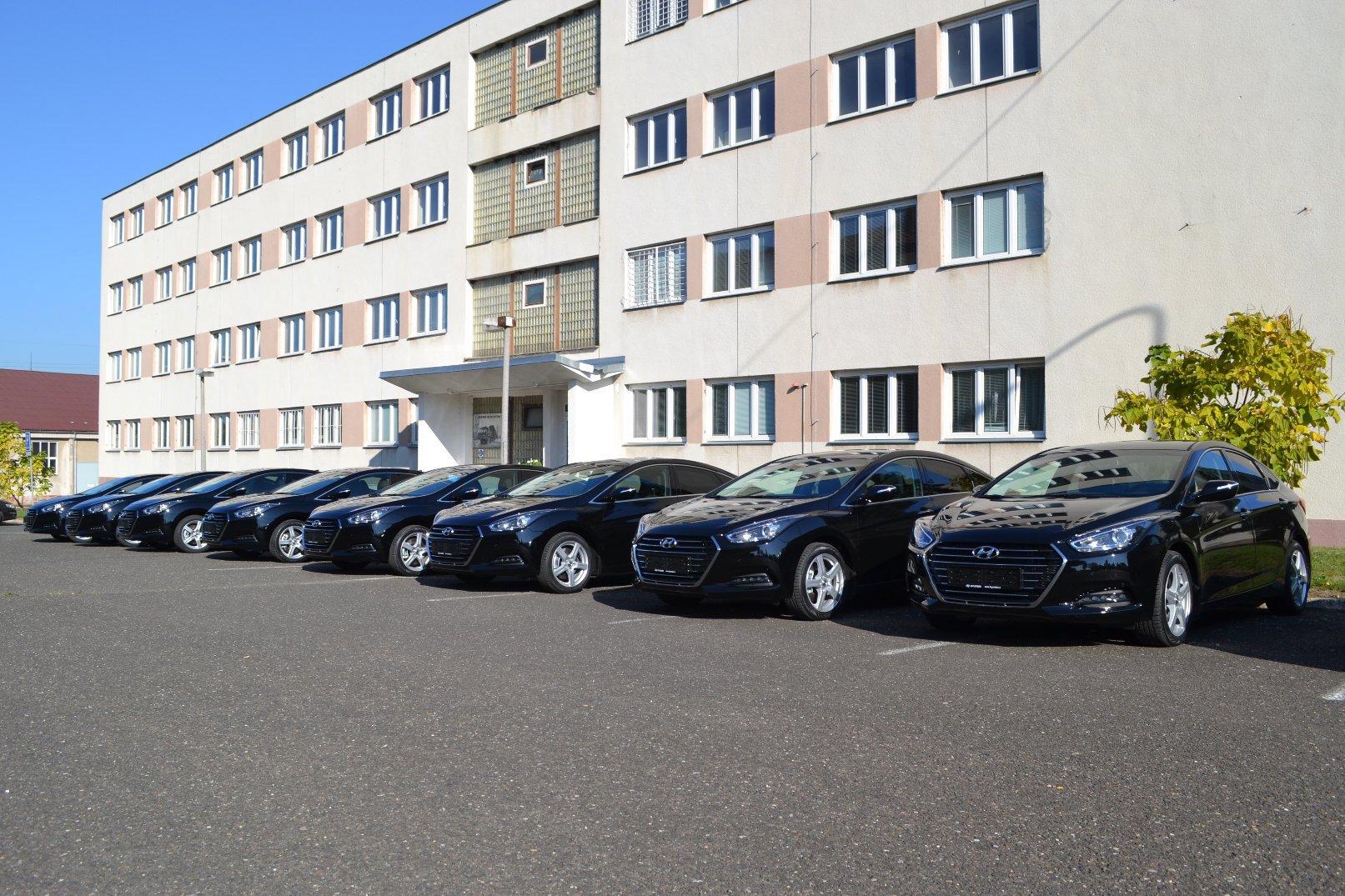 Ministerstvo obrany bude nyní využívat osm Hyundaiů i40.