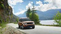 Pod kapotou najdeme třílitrový naftový šestiválec, Land Rover Discovery Landmark.
