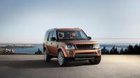 Nový lak, větší kola, černé prvky a luxusní interiér, Land Rover Discovery Landmark.