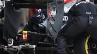 Výfuk vozu McLaren MP4-30 Honda v Austinu