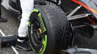 Pneumatika přední zavěšení vozu McLaren MP4-30 Honda v Austinu