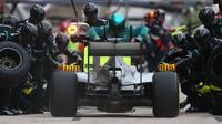 Lewis Hamilton zastávka v boxech v Austinu