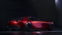 Kabina je posunuta co nejvíce vzad, Mazda RX-Vision.