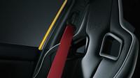 Červené pásy jsou výsadou paketu NBR Challenge, Subaru WRX STi S207 NBR Challenge Yellow Edition.