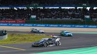 Robert Wickens před Edoardo Mortarou na Nürburgringu