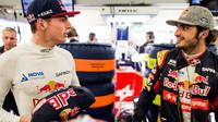 Max Verstappen a Carlos Sainz v Mexiku