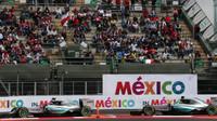 Nico Rosberg a Lewis Hamilton v Mexiku