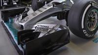 Přední křídlo vozu Mercedes F1 W06 Hybrid v Mexiku
