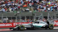 Nejrychlejší kola v Mexiku: Rosberg o dvě desetiny před Hamiltonem, Kvjat třetí - anotační obrázek