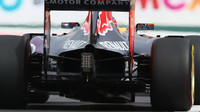 Difuzor a výfuk vozu Red Bull RB11 - Renault v Mexiku