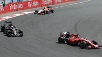 Kimi Räikkönen a Jenson Button v Mexiku