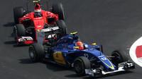 Felipe Nasr a Kimi v Mexiku