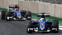 Marcus Ericsson a Felipe Nasr v Mexiku