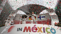 Tři nejlepší jezdci na pódiu v Mexiku
