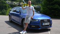 Nejlepší český skokan na lyžích současnosti, Roman Koudelka, se svou Audi A4 Avant