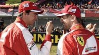 Esteban Gutiérrez a Sebastian Vettel při Finali Mondiali