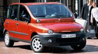 Fiat Multipla se svou avantagardní přídí je samozřejmě neodmyslitelnou stálicí všech seznamů ošklivek a nejinak tomu je i v našem případě.