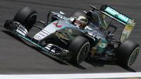 Mercedes je podle Briatoreho favoritem na titul i příští rok