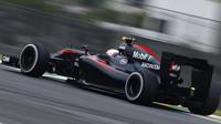 McLaren by uvítal více volnosti, aby mohl rychleji stahovat náskok Mercedesu