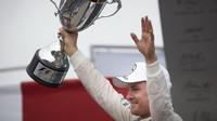 Nico Rosberg se raduje z vítězství v Brazílii