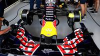 Přední křídlo vozu Red Bull RB11 - Renault v Brazílii