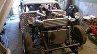 Motor má dvě turbodmychadla, Lada 2106 rat rod.