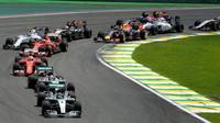 Souboje týmových kolegů v Brazílii: Hamilton na Rosberga opět nestačí