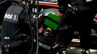Přezutí pneumatik u McLarenu v Brazílii