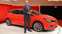 Opel Astra získala ocenění Zlatý Volant 2015