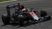 McLaren MP4-30 Honda ztrácel především na rovinkách