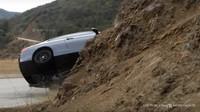 VIDEO: Frajírek za volantem BMW 3 se sám parádně potrestal - anotační foto
