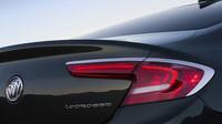 Zadní full-LED světla, Buick LaCrosse.