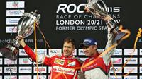 Sebastian Vettel a Tom Kristensen na podiu Race of champions