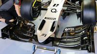 Přední křídlo vozu Force India VJM08 - Mercedes v Abú Zabí