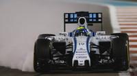 Felipe Massa prudce brzdí v Abú Zabí