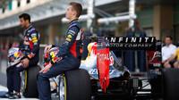 Daniil Kvjat a Daniel Ricciardo v Abú Zabí