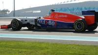 Rio Harjanto při Pirelli testech v Abú Zabí
