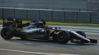 Nico Hülkenberg při Pirelli testech v Abú Zabí