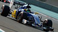 Adderly Fong při Pirelli testech v Abú Zabí