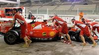 Kimi při Pirelli testech v Abú Zabí