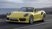 Vpředu najdeme full-LED světla, Porsche 911 Turbo S.