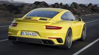 Nasávací otvor v kapotě motoru je trojdílný, Porsche 911 Turbo S.