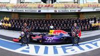 Hromadná fotografie týmu Red Bull v Abú Zabí