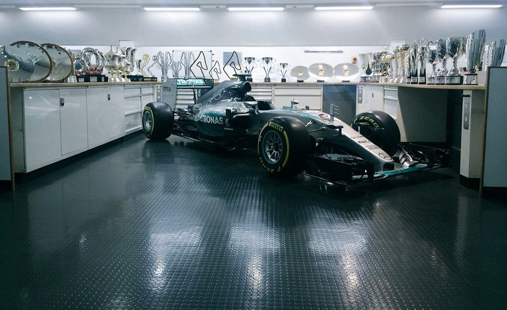 Prost: Mercedes je lepší, proto si zaslouží vyhrávat - anotační foto