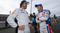 Fernando Alonso a Takluma Sato při Thanks Day na okruhu Twin Ring Motegi