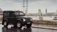 Londýn se loučí s legendárním Land Roverem Defender